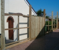 Feather Edge Fencing Construction
